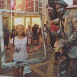 Живая статуя Художник с багетом