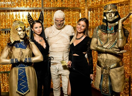 Живые статуи Египет
