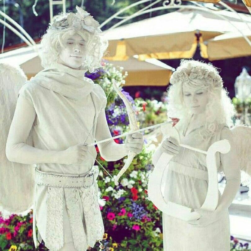 Живые статуи белые Ангелы