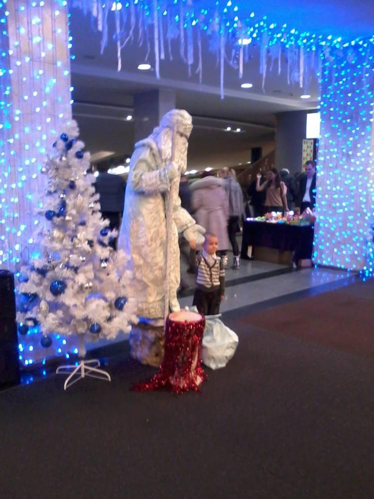 Живая статуя Дед Мороз гипс