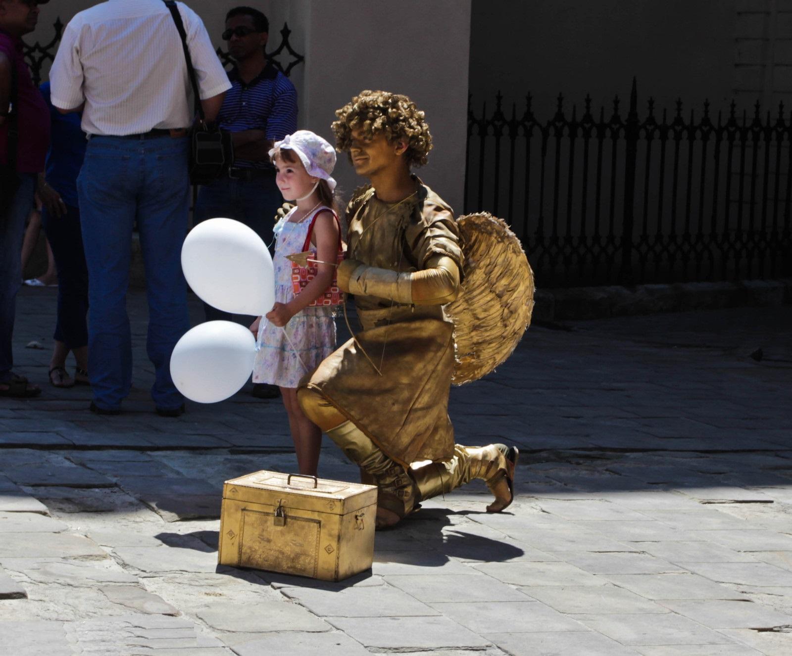 живая статуя ангел